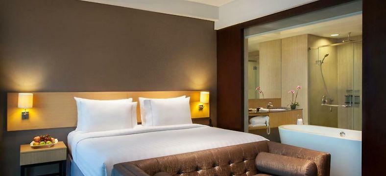 JS LUWANSA HOTEL AND CONVENTION CENTER, JAKARTA ****